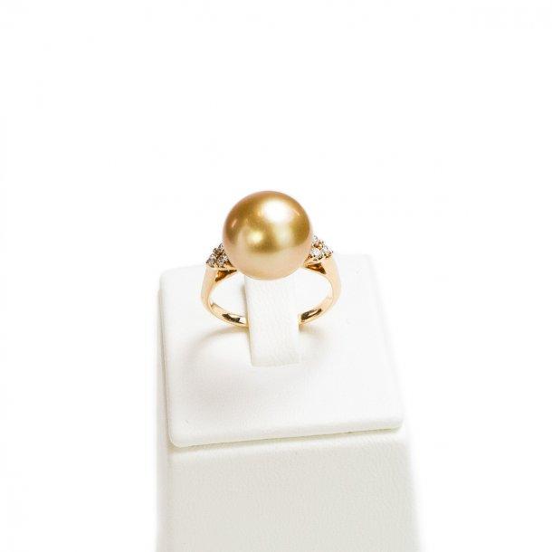 Golden South Sea Pearl Ring With Diamonds Jewellery Liza Castro Rh Lizacastro Com